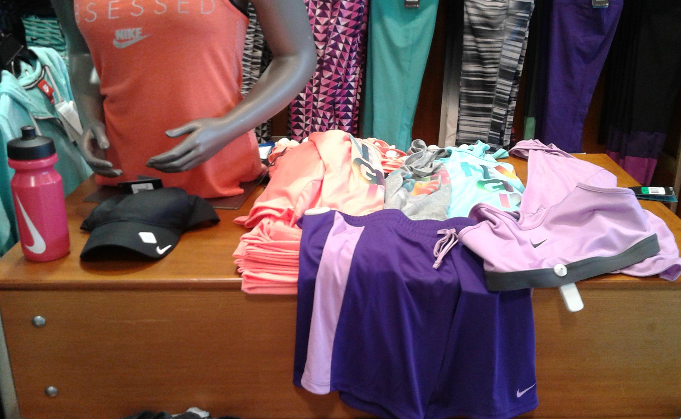 Dicks-sporting-goods-colors