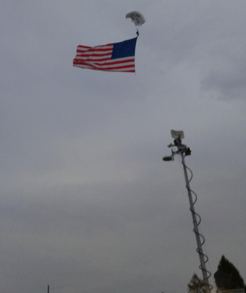 marine corps marathon parachute