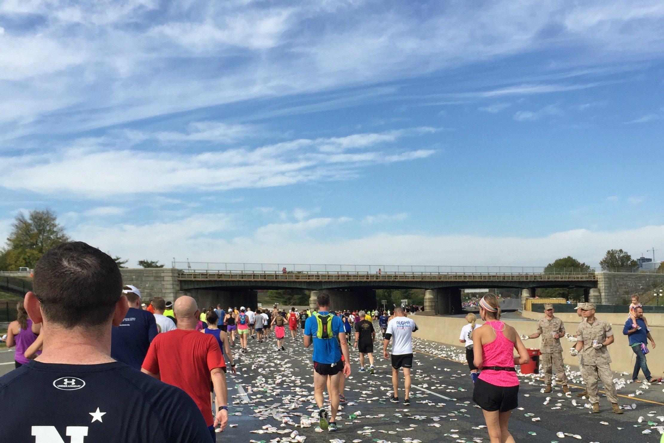 marine-corps-marathon-2016-final-water-stop